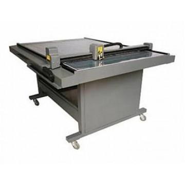 Режущий плоттер Vektor HC-1290